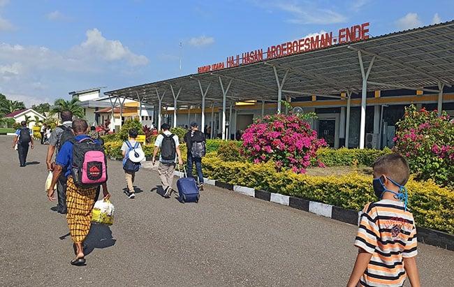 Bandara Hasan Aroeboesman, Ende.