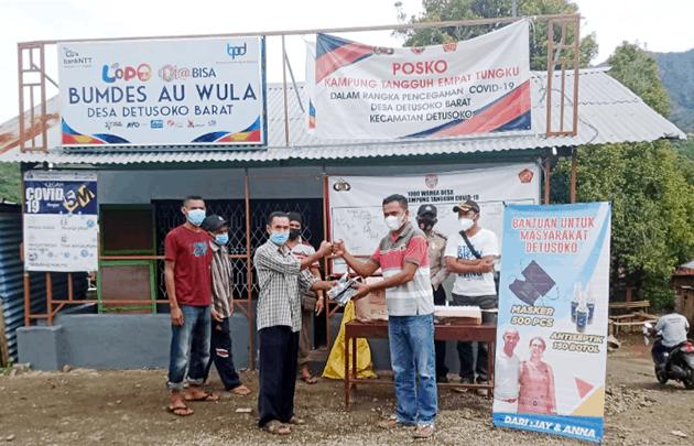 Penyerahan bantuan masker dan antiseptik dari Australia, Jumat (26/2/21).