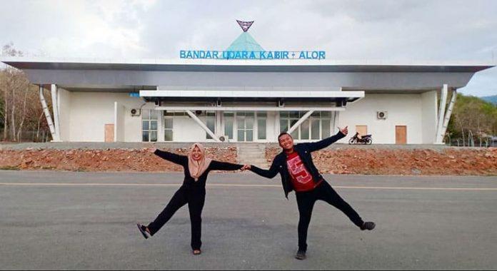 Presiden Joko Widodo atau Jokowi secara virtual meresmikan Bandara Kabir yang terletak di Kecamatan Pantar, Kabupaten Alor, Provinsi Nusa Tenggara Timur, pada Kamis (18/3/21).