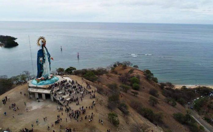 Patung Bunda Maria tertinggi ini adalah salah satu ikon pariwisata di Provinsi NTT yang terletak di Kabupaten Belu.