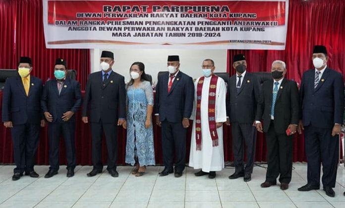 Pelantikan PAW Anggota DPRD Kota Kupang, Selasa (29/6/21).