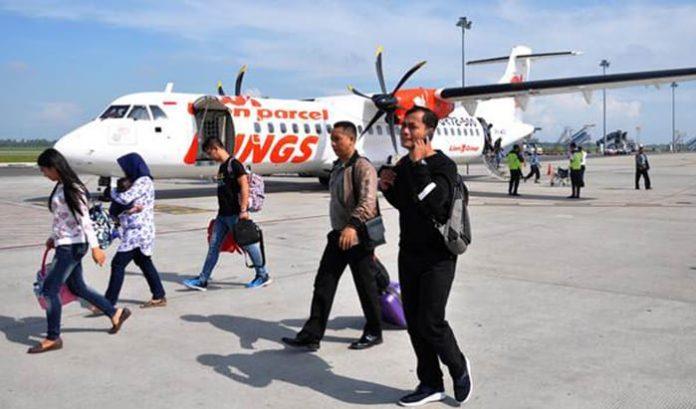 Penerbangan perdana pasca erupsi Gunung Ile Lewotolok dan badai Seroja ini dipatok dengan harga Rp 655.500 per penumpang Kupang – Lewoleba dan Rp 534.300 Lewoleba – Kupang Rp 534.300.
