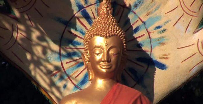 Kedatangan simbol baru ini dalam ikonografi Kristen terjadi sekitar tahun 300-an Masehi, lebih dari dua abad setelah muncul dalam agama Buddha.
